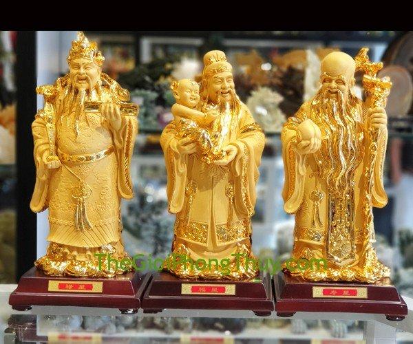 Bàn thờ Thần Tài có 3 ông mang lại tài lộc