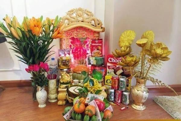 bày bàn thờ thần tài ngày tết